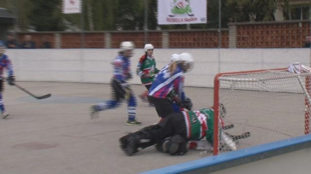Hokejbalový turnaj žien