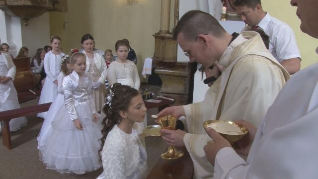 11 detí absolvovalo prvé sväté prijímanie