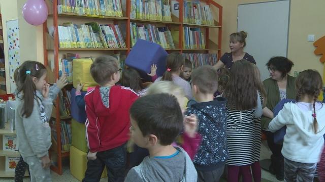 Detské oddelenie knižnice je väčšie a krajšie