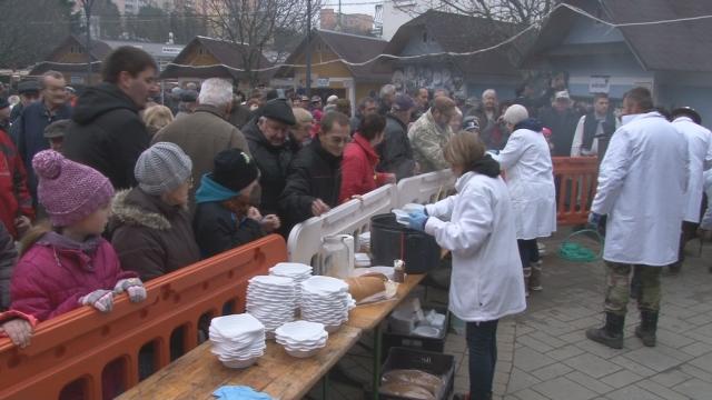 Vianočné trhy boli znova na Myjave spojené so zabíjačkou
