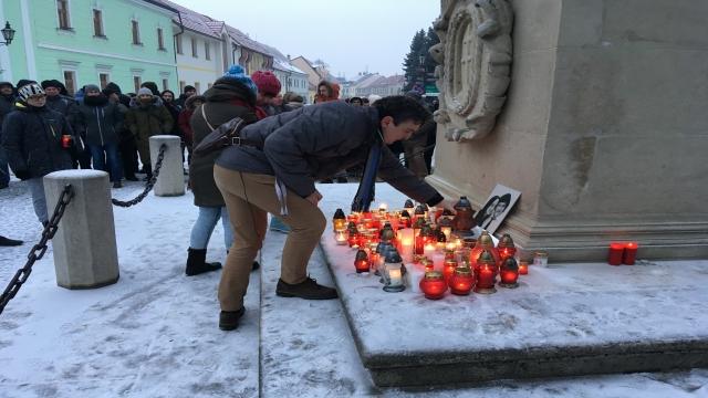 Pietna spomienka na Jána Kuciaka a Martinu Kušnírovú aj v Skalici