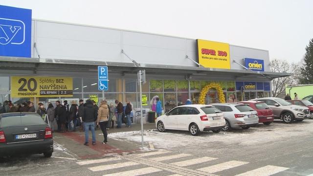 Nové nákupné centrum v Senici
